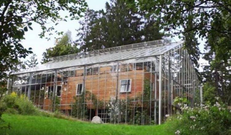 Dom w szklarni