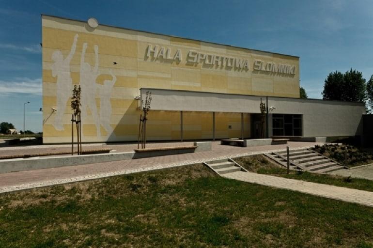 hala sportowa w Słomnikach