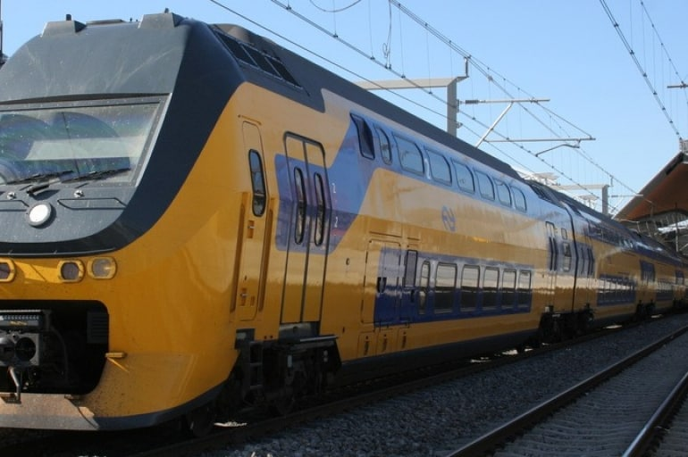 Holenderskie pociągi jeżdżące dzięki energii wiatrowej