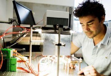Oxford PV rozpoczyna produkcję perowskitowych ogniw słonecznych w Niemczech