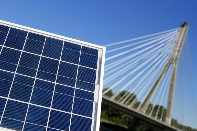 """Panele słoneczne """"wreszcie spłacają swój dług"""""""