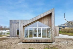 Een til Een, Biological House, danish architecture, green design, green architecture, eco-friendly buildings, Kebony technology, upcycled materials, sustainable construction, sustainable design, natural materials, upcycled agricultural materials, green building materials, sustainable home design, danish sustainable homes