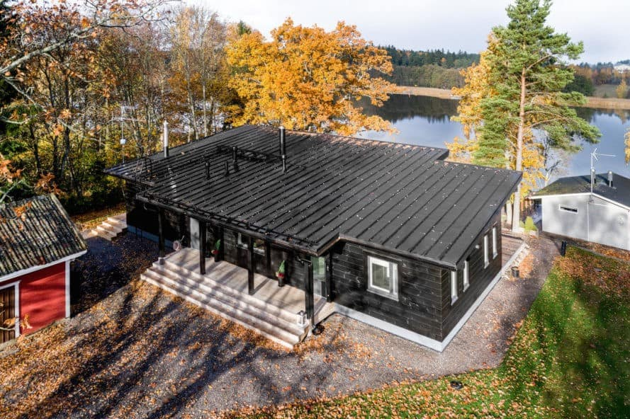 Log Villa on the Coast, Log Villa on the Coast by Pluspuu, Kustavi by Pluspuu, Kustavi 125 by Pluspuu, Log villa by Pluspuu, Finnish log cabins, contemporary log cabins, Ollikaisen Hirsirakenne Oy, Turku log cabins, contemporary geothermal cabins,