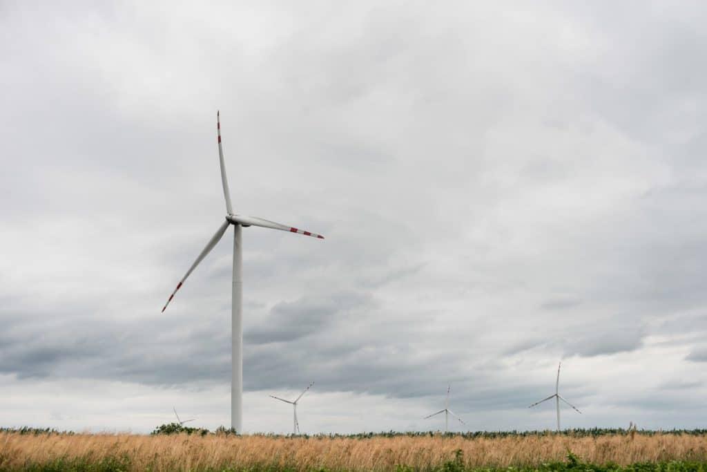 wiatr jako odnawialne źródło energii